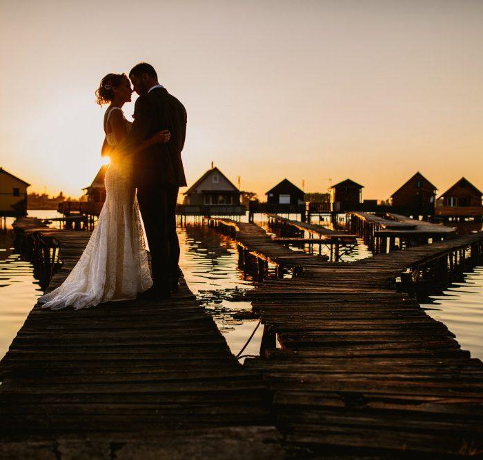 Kriszti & Samir | Kreatív fotózás egy titkos tónál