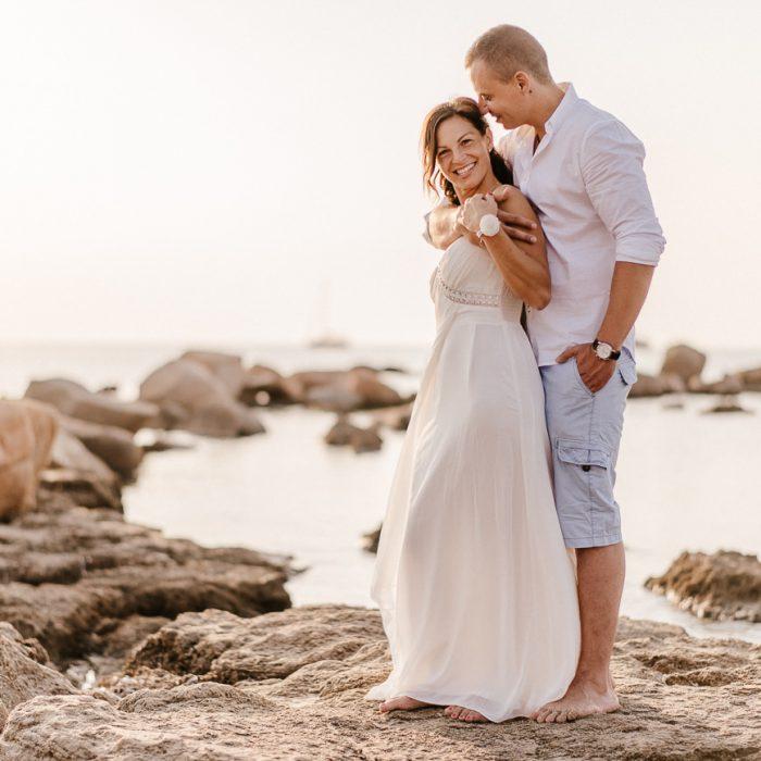 Tengerparti esküvő a napfelkeltében